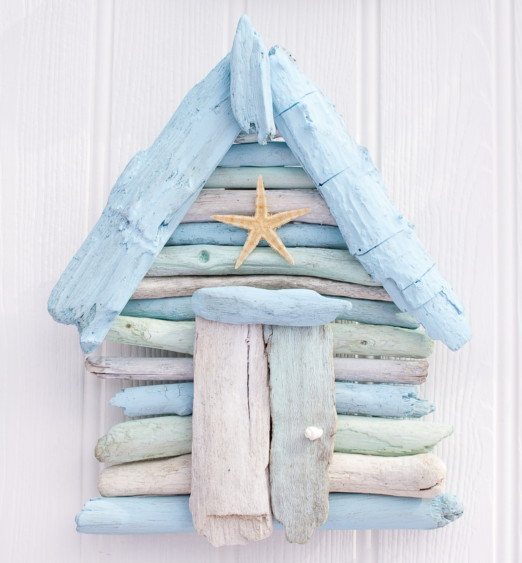 New online 39 coastal home 39 outlet for driftwood gifts for Beach hut style