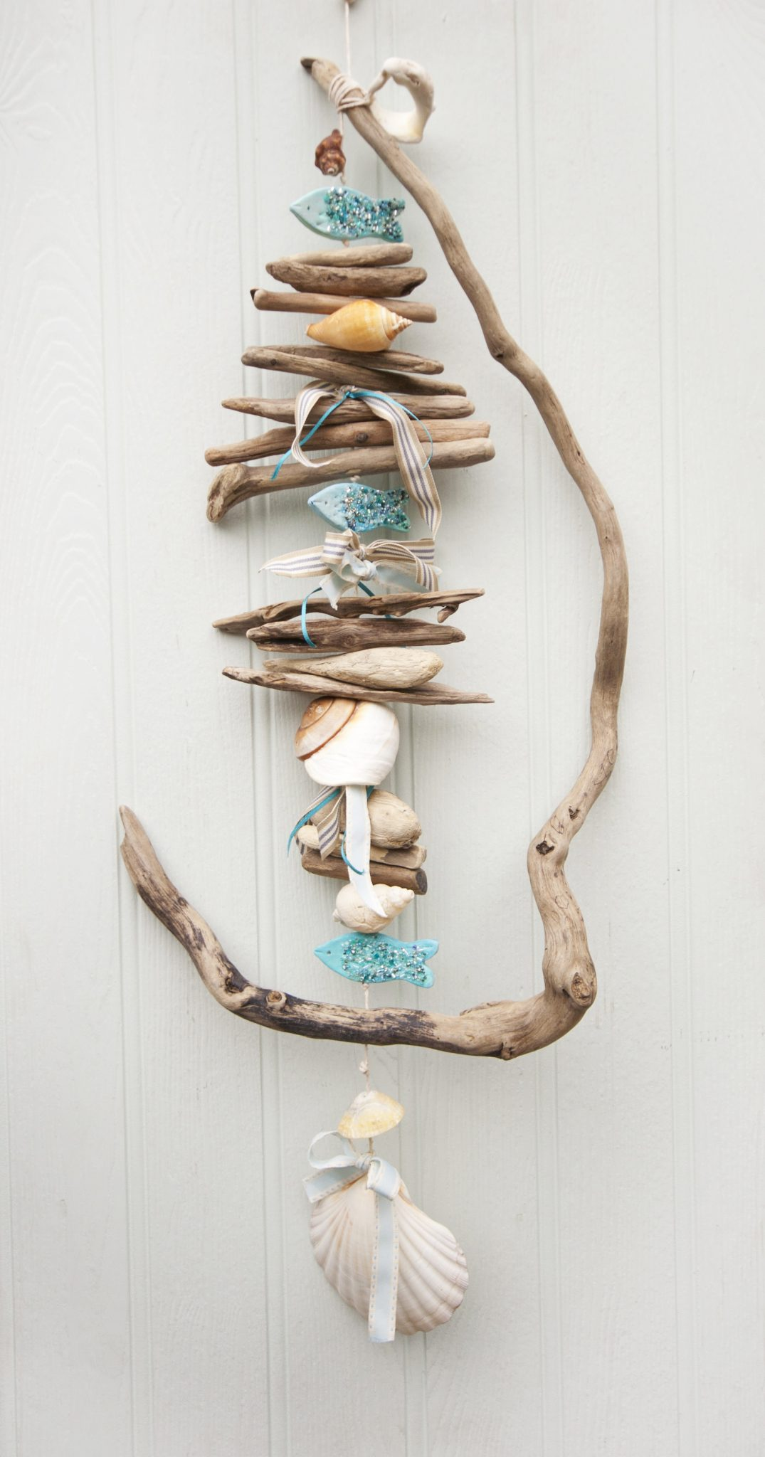 Twisted driftwood hanging coastal decor driftwood dreaming for Decoration jardin