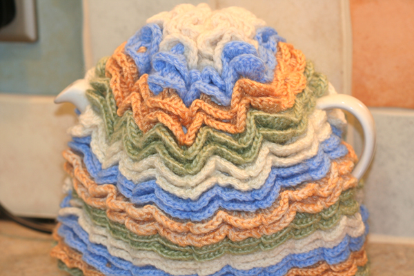 Amazon.com: Wild Tea Cosies: 24 Step-By-Step Patterns